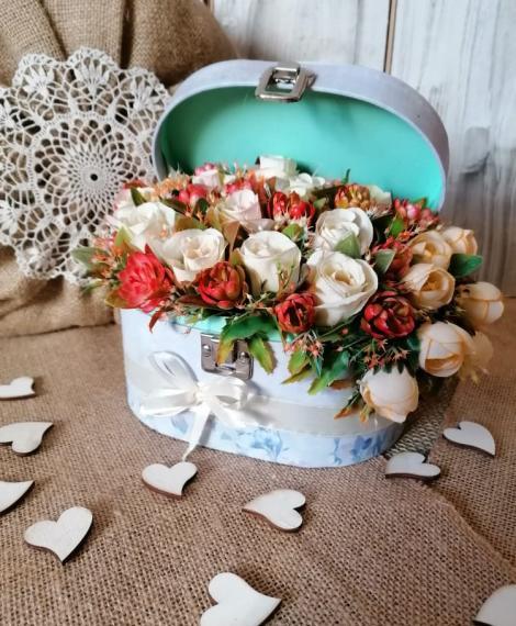 Selyemvirágos box