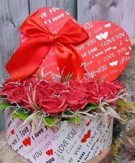 Valentínnapi polifoam szívecskéket
